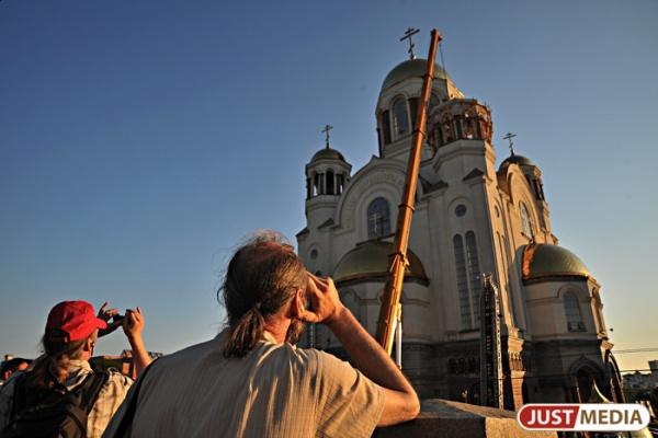 Екатеринбургская епархия: «Причиной самоубийства молодого человека в храме была душевная болезнь»