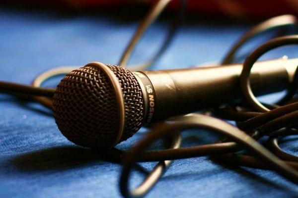 Американских журналистов ограбили в прямом эфире