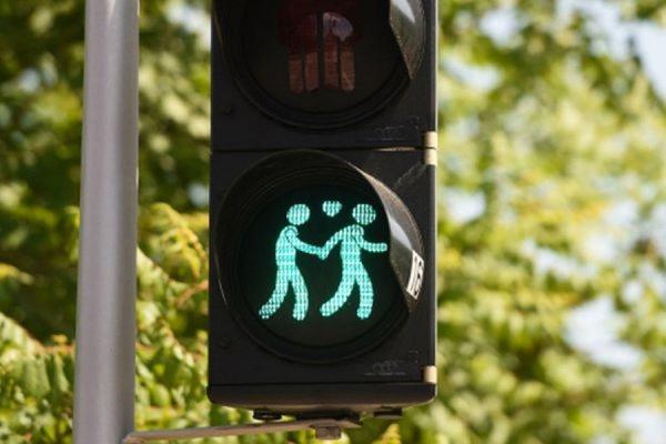 На улицах германского Мюнхена установили ЛГБТ-светофоры