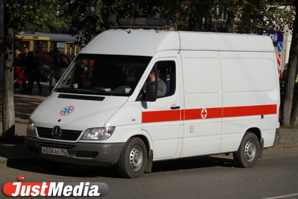 В Свердловской области перевернулся пьяный водитель иномарки