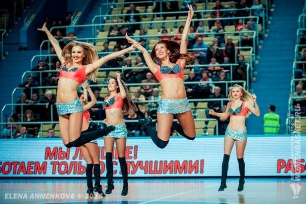 Баскетбольный клуб УГМК ищет самых красивых танцовщиц в группу поддержки Funny Foxes