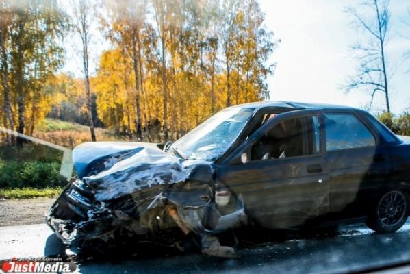 На Пермском тракте тягач раздавил легковушку с семьей. Родители погибли, ребенок с тяжелыми травмами в больнице