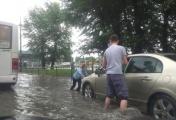 Затопленные улицы и коммерческие объекты. После сильных дождей Екатеринбург вновь ушел под воду. ФОТО
