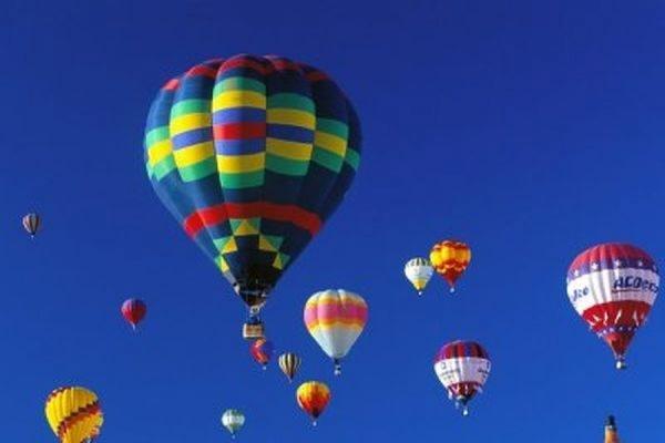 На Европейском фестивале воздушных шаров в Испании  упал аэростат