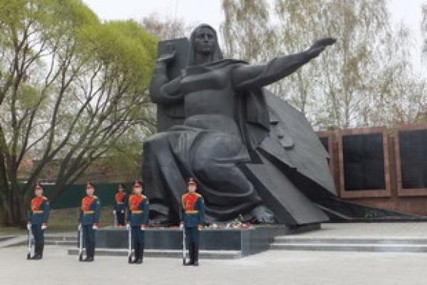 Мемориал Славы воинам-визовцам признан самым чистым и благоустроенным мемориальным объектом Екатеринбурга