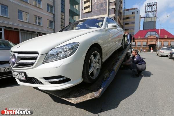 За июнь с улиц Екатеринбурга эвакуировали почти 5 тысяч машин