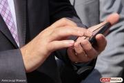 Ритейлеры: рынок продаж смартфонов на Урале падает, но спрос на дорогие гаджеты растет