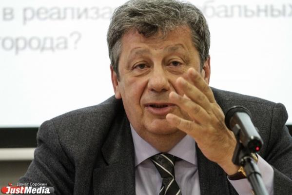 Аркадий Чернецкий предлагает принять закон о профессиональных инженерах