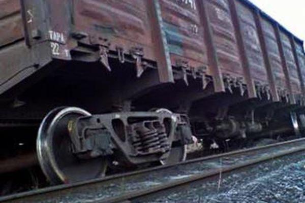 В Приамурье три вагона грузового состава сошли с рельсов