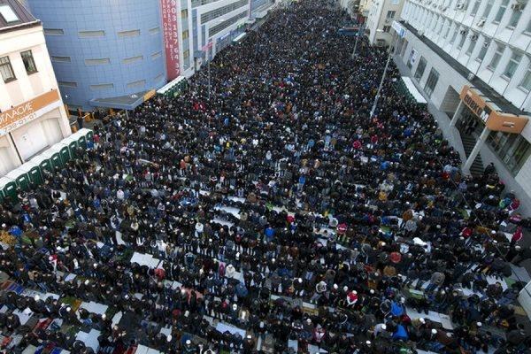 200 тысяч мусульман вышли на улицы Москвы праздновать Ураза-байрам