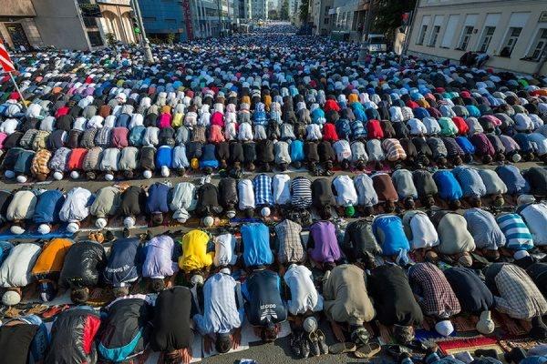 Ураза-байрам в Москве отпраздновали 160 тысяч мусульман