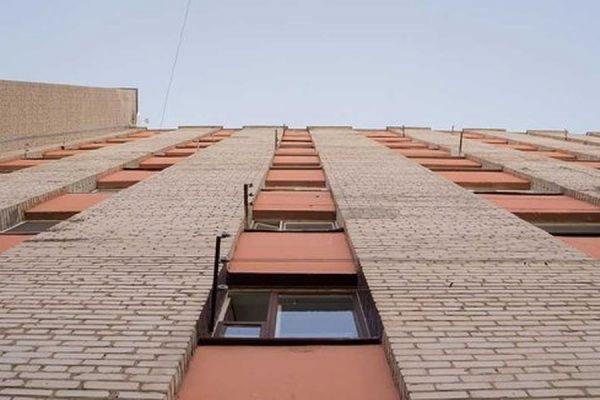 Две москвички в ходе пьяной ссоры выбросили знакомую из окна шестого этажа
