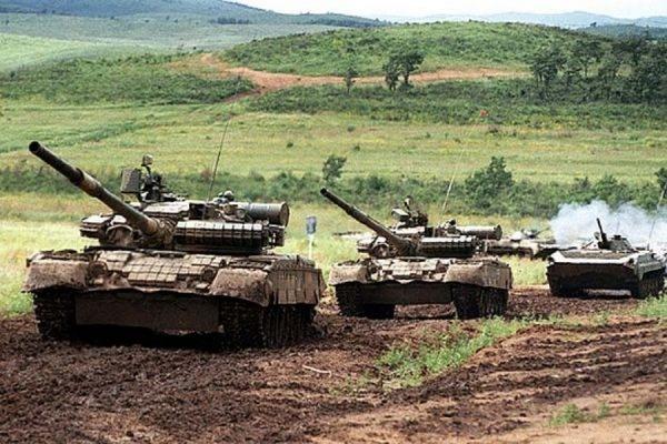 В ДНР заявили об отведении от линии соприкосновения около 150 единиц бронетехники