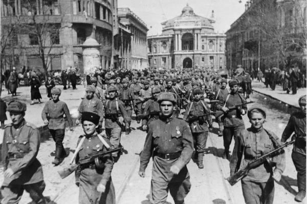 Во Мценске отпраздновали 72-ю годовщину освобождения города от фашистских захватчиков