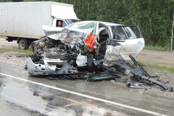 Страшное ДТП произошло под Богдановичем: три человека в тяжелом состоянии в реанимации