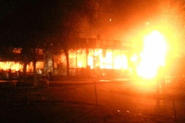 В результате пожара в московском летнем кафе погибла женщина