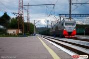На железной дороге вблизи Первоуральска пассажирский поезд сбил мужчину