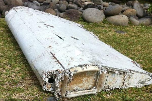 Номер найденной на Реюньоне детали самолета совпадает с данными пропавшего Boeing 777