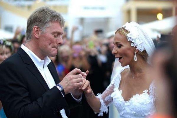 Навка заявила, что подарила Пескову на свадьбу дорогие часы