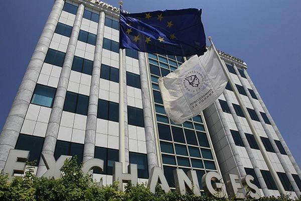 Афинская биржа открылась после пятинедельного перерыва падением на 23%