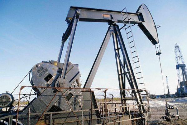 Цена нефти марки Brent впервые с января упала ниже 50 долларов за баррель
