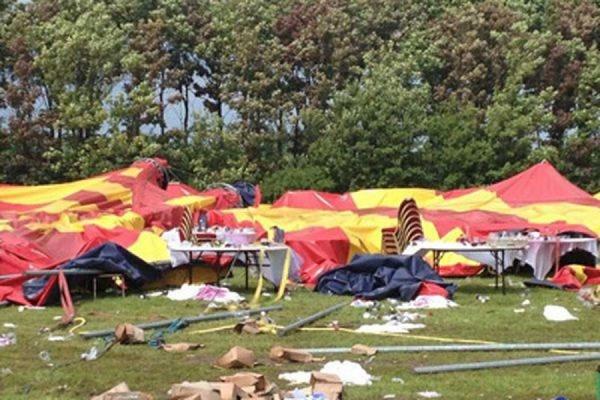 Два человека в США погибли в результате обрушения цирка-шапито