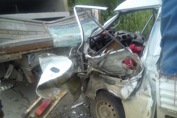За ночь на дорогах Свердловской области погибли четыре человека