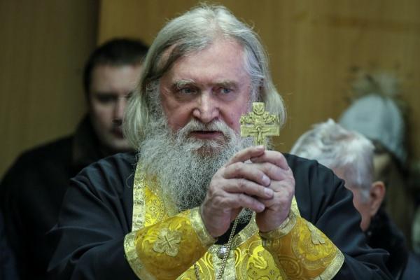 На Среднем Урале служители церкви проводят молебны в женских консультациях