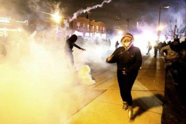 В американском городе Фергюсон объявлено чрезвычайное положение