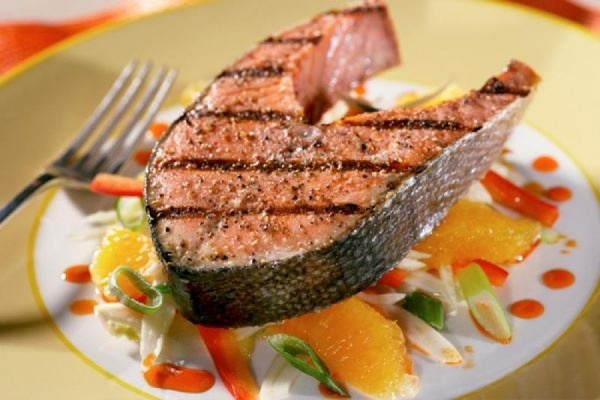 Американские ученые выяснили, что рыбу полезно есть только раз в неделю