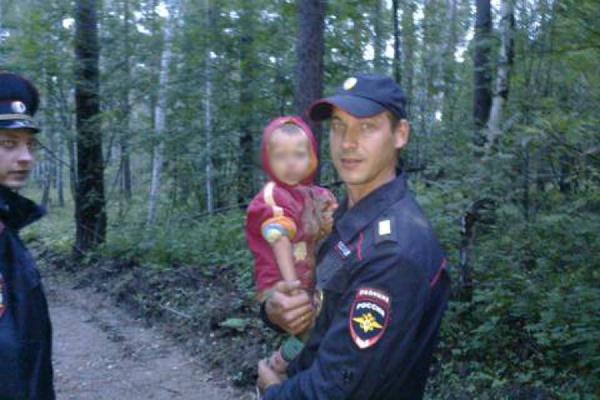В Сысерти полиция нашла заблудившегося в лесу ребенка и вернула его в цыганский табор