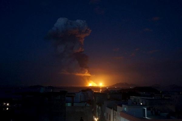 В Китае в среду вечером прогремели два мощных взрыва