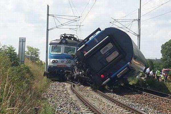 В результате лобового столкновения двух поездов в Венгрии пострадали 19 человек