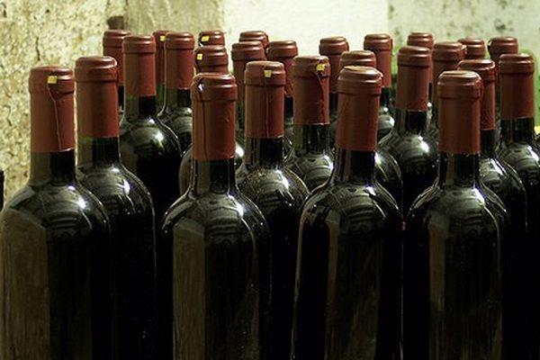 Роспотребнадзор изъял из продажи несколько партий американских вин