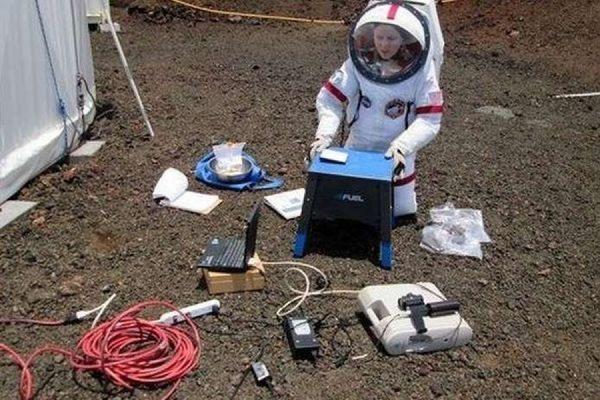 Ученые проведут год в полной изоляции на Гавайях, имитируя полет на Марс