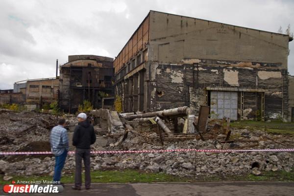 В Красноуфимске умер второй подросток, погребенный под рухнувшей кирпичной стеной