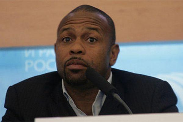 Американский боксер Рой Джонс напишет заявление на получение российского гражданства
