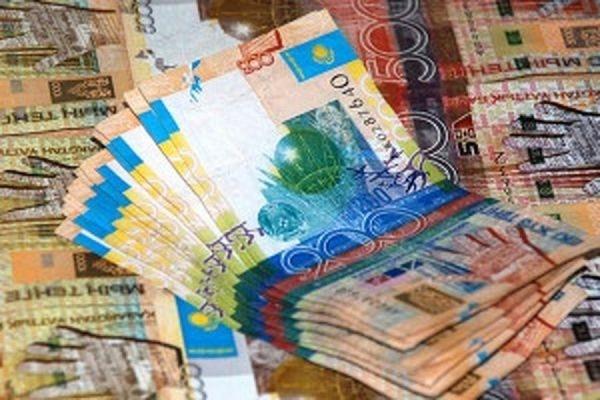 Курс казахского тенге рухнул на 35,5% после объявления о новом валютном режиме