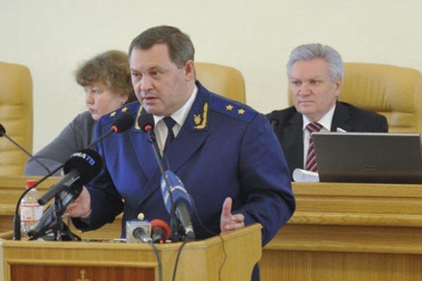 Прокурор Астраханской области мог погибнуть из-за неосторожного обращения с оружием
