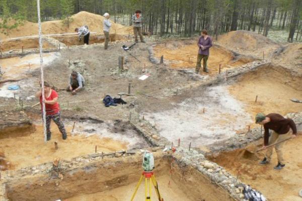 Ученые-археологи из УрФУ нашили шахты эпохи неолита в Западной Сибири