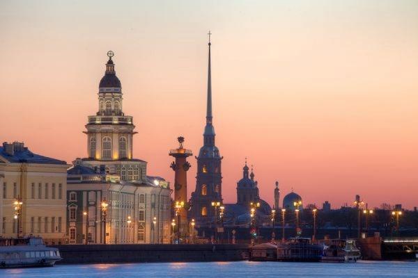 Британская The Daily Express назвала Петербург самым элегантным и красивым городом РФ