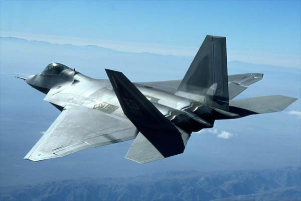 США разместят в Европе многоцелевые истребители F-22