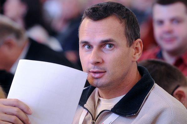 В Ростове суд приговорил украинского режиссера Олега Сенцова к 20 годам колонии
