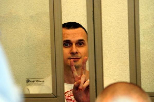 В Кремле отказались комментировать приговор Сенцову и Кольченко