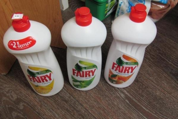 Роспотребнадзор вывозит из магазинов только опасную бытовую химию. О массовом изъятии товара речи не идет