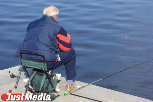 Нижнетагильский рыбак выловил из водоема гранаты