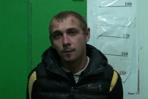 В Екатеринбурге продавцы мясного магазина в одиночку скрутили вора