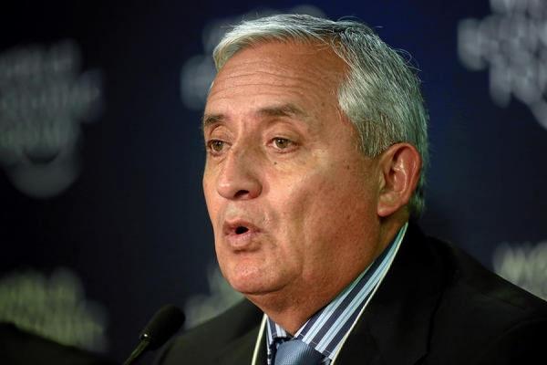 Верховный суд запретил президенту Гватемалы покидать страну