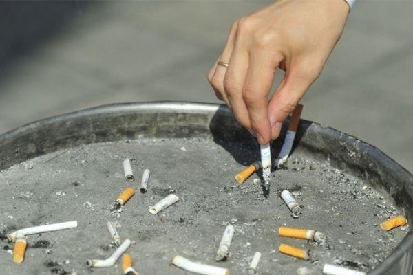 Американские ученые выяснили, что увеличение зарплаты у мужчин приводит к отказу от курения