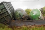 Из-за схода с рельсов локомотива и грузовых вагонов движение пассажирских поездов будет организовано в объезд